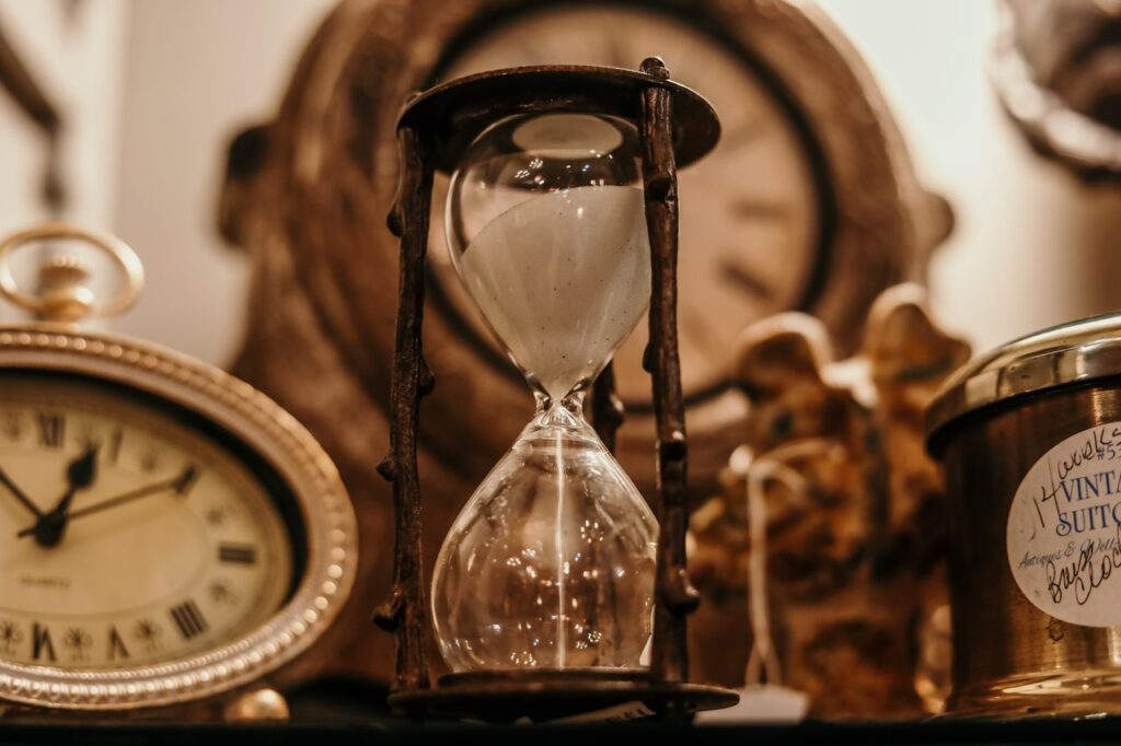 An image of the hourglass that instantly makes you want to improve your time management skills.